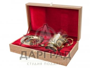 Позолоченный подстаканник с блюдцем с символикой Петербурга