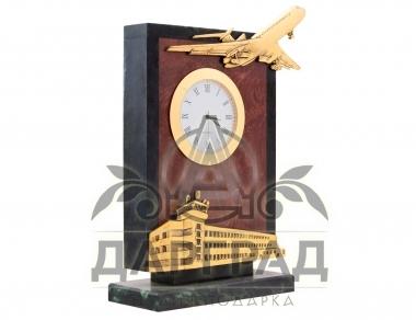 Заказать Настольные часы «Аэропорт» в подарок руководителю