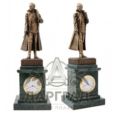 Подарок сотруднику ФСБ Кабинетные часы «Дзержинский Ф.Э.»