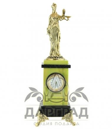 Настольные часы «Фемида» из камня