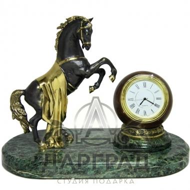 """Купить Настольные часы из мрамора """"Конь"""" в магазине подарков"""