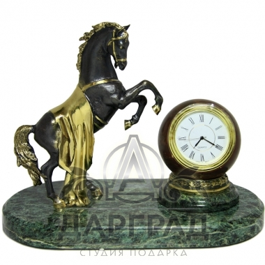 "Настольные часы из мрамора ""Конь"""