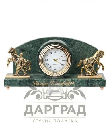 """Купить Настольные часы """"Кони Клодта"""" (мрамор) подарок с символикой Петербурга"""