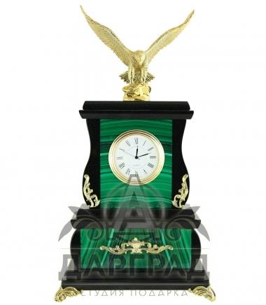 Часы из малахита в подарок