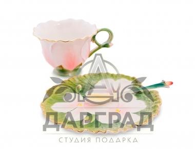чашка с юлбдцем герань в подарок