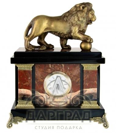 Кабинетные часы «Лев с шаром» яшма в магазине подарков Дарград