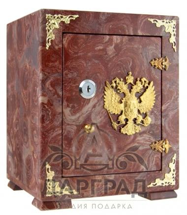 Каменный сейф с гербом