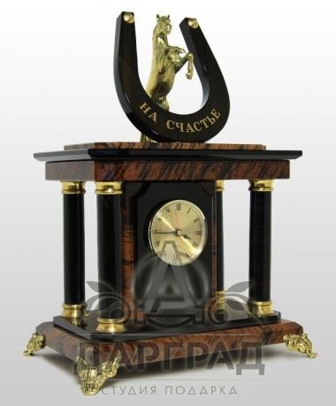 """Настольные часы из обсидиана """"На счастье"""""""