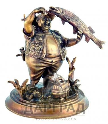 Бронзовая статуэтка рыбак на щуку