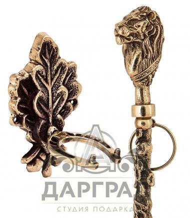 Крючок в виде дубового листа для обувного рожка Лев
