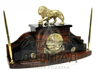 Купить настольный набор из обсидиана с символикой Санкт-Петербурга