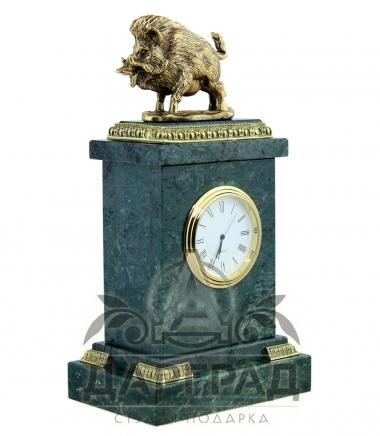 Настольные часы «Кабан» в подарок охотнику Дарград