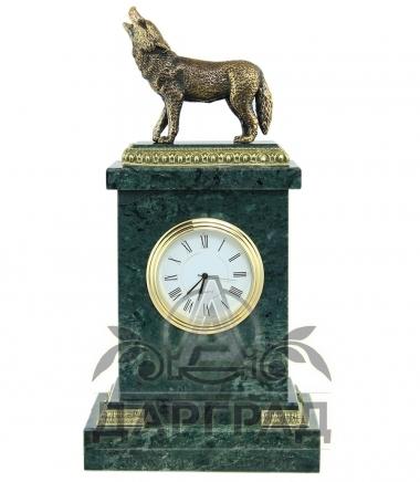 Настольные часы «Волк» мрамор