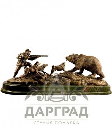 "Композиция ""Охота на медведя"" из бронзы"