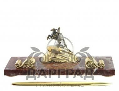 мраморная Подставка под ручку «Медный всадник» в подарок