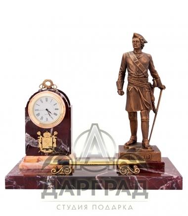 Купить Настольный прибор с часами «Петр I» (яшма) в подарок директору