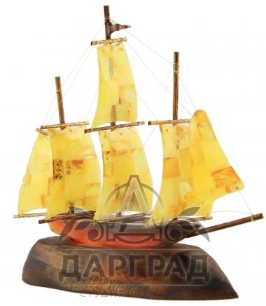 Подарок на морскую тематику парусник