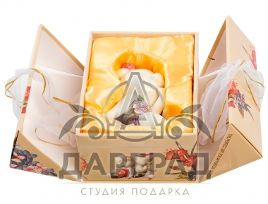"Фигурка ""Свинка в платье"" (фарфор)"