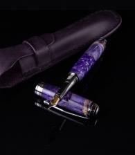 Авторская ручка для женщины в магазине подарков Дарград