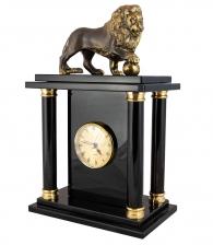 Каминные часы с фигурой льва