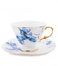 чашка с блюдцем и голубыми цветами