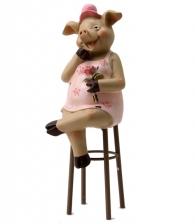 Фигурка «Свинка на стуле»