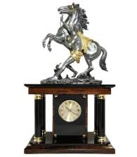 """Кабинетные часы """"Укротитель коня"""" (обсидиан)"""