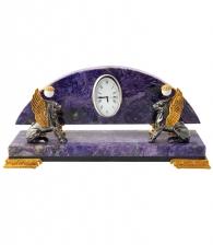 Настольные часы из чароита «Грифоны»