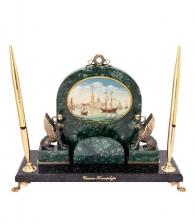 Настольный прибор с лаковой миниатюрой «Грифоны»