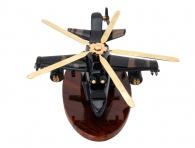большой военный вертолет из камня черного